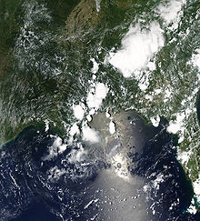 The oil slick as seen from space, June 22 2010 (wikipedia.com)