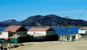 West Baffin Eskimo Cooperative Cape Dorset (printshop & other buildings). Photo taken by Ansgar Walk. CC BY-SA 2.5