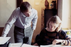 With senior editor of the social sciences Patricia Finlay during the preparation of the first edition, 1984.