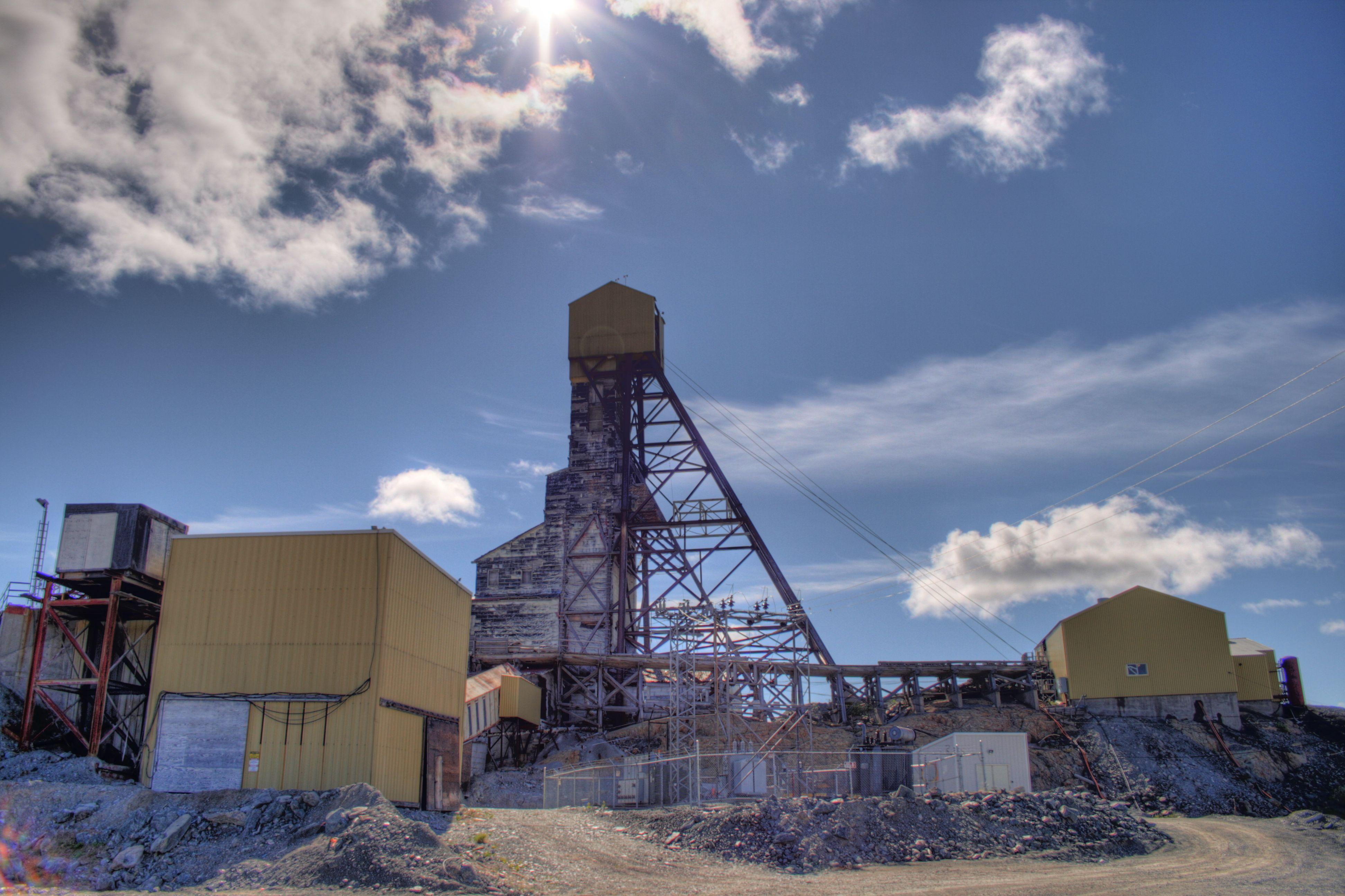 Mine_Building_Giant_Mine_Yellowknife_Northwest_Territories_Canada_12