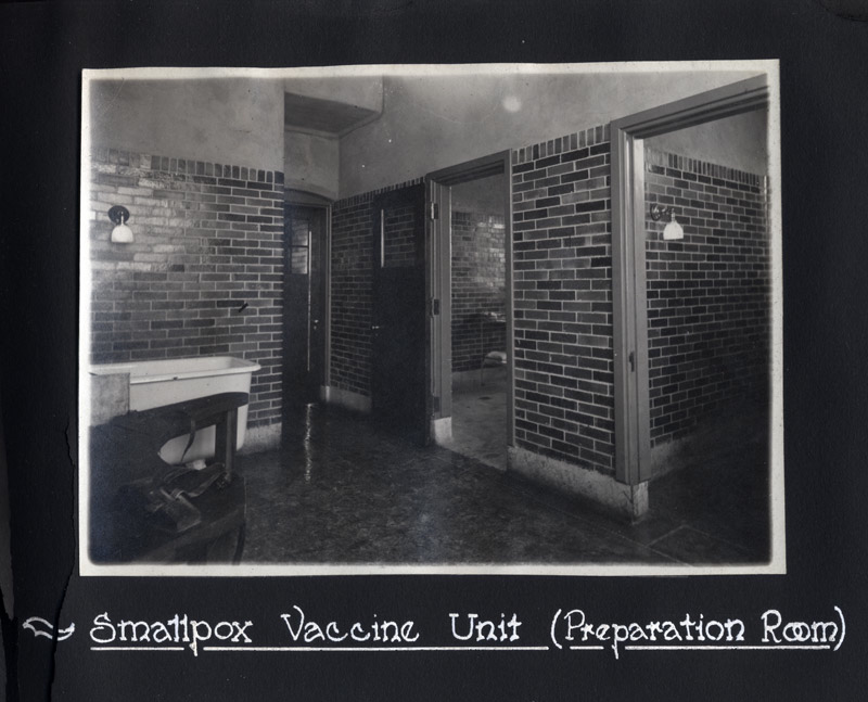 Smallpox Vaccine Unit (Preparation Room). 1918 Photograph Album, Sanofi Pasteur Canada (Connaught Campus), Toronto, Archives.