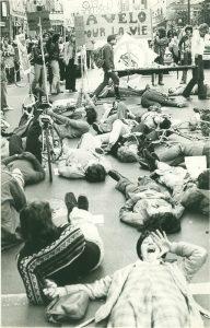 Le Monde à bicyclette die-in, October 1976. Luc Vallières