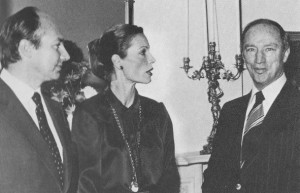 His Highness the Aga Khan and Begum Salima Aga Khan with Prime Minister Pierre Trudeau in Ottawa in 1978. Simergphotos.com.