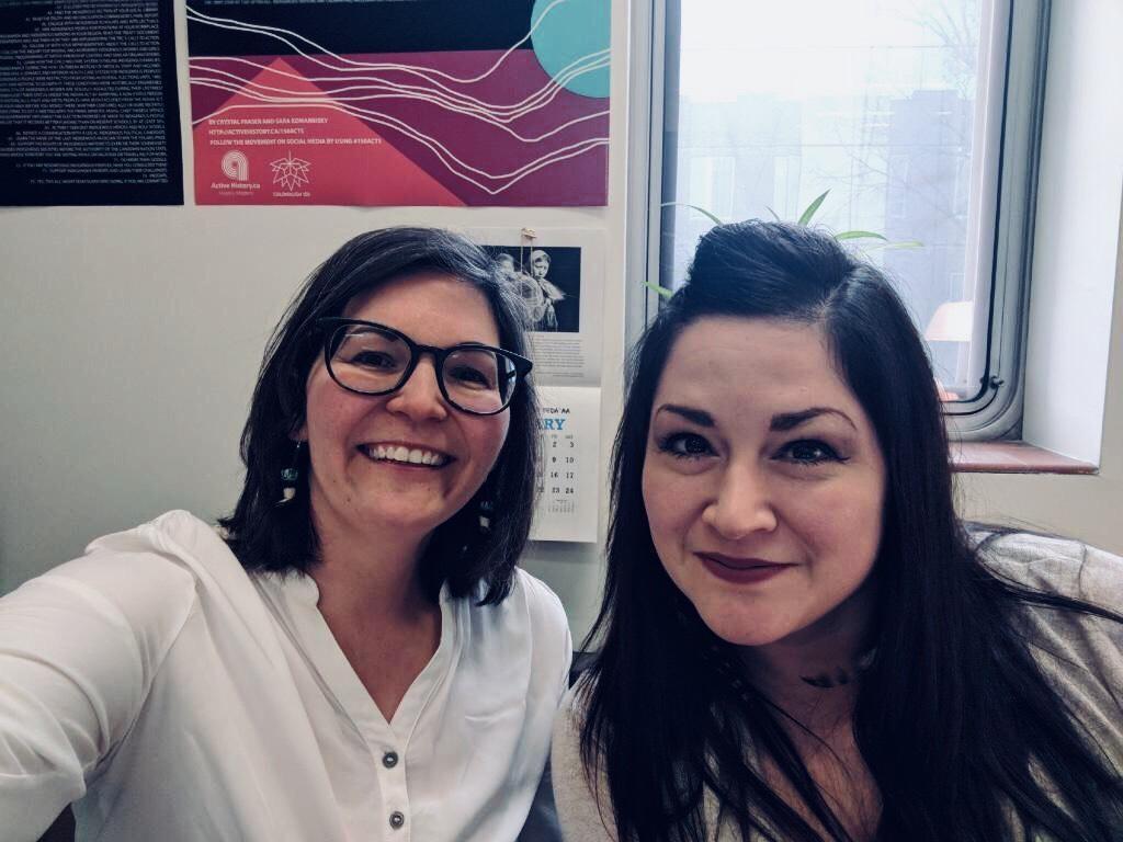 Les autrices de la liste, Crystal Fraser (droite) et Sara Komarnisky (gauche)