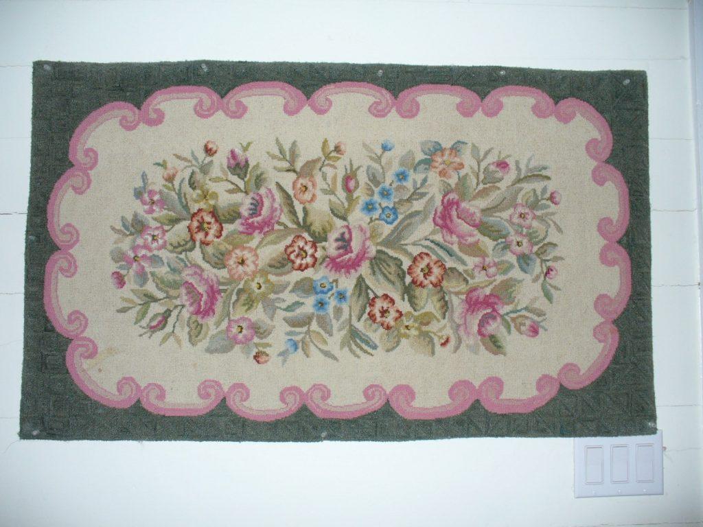 Floral hook rug